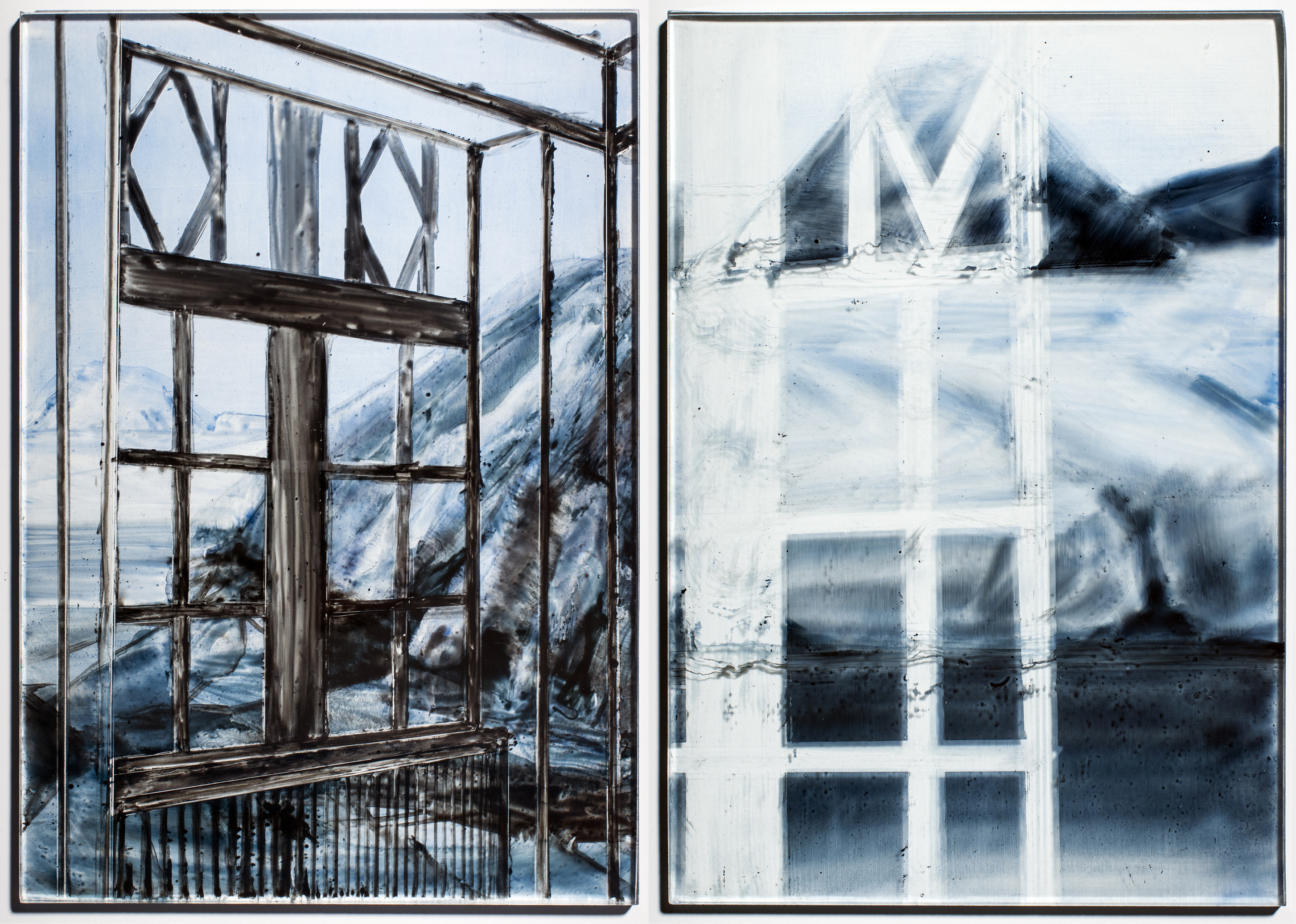 Pyramiden in A Villa  - 2014  emaille burnt on glass  34 x 23.5 cm  x2 Interesse? Contacteer ons