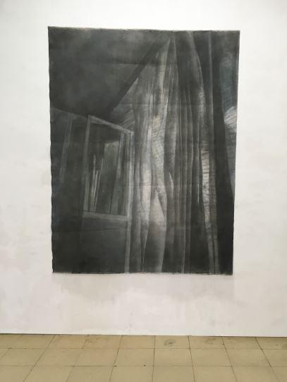 Draperies - 2017  Houtskool op doek 215 B x 165 H cm Interesse? Contacteer ons