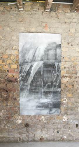 Fallingwater - 2016  Houtskool op doek 143 B x 72H cm Interesse? Contacteer ons